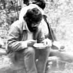 1984-поход Земляков ест